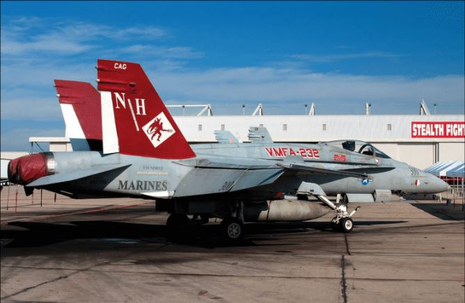 Academy 1/32 USMC F/A-18A+ VMFA-232 RED DEVILS - Reproduction