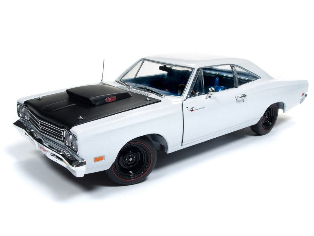 American Muscle 1/18 1969.5 Plymouth Road Runner Post Coupe Whit