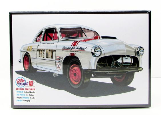 AMT 1949 Ford Coupe Gas Man 1/25 Model Kit (Level 2)