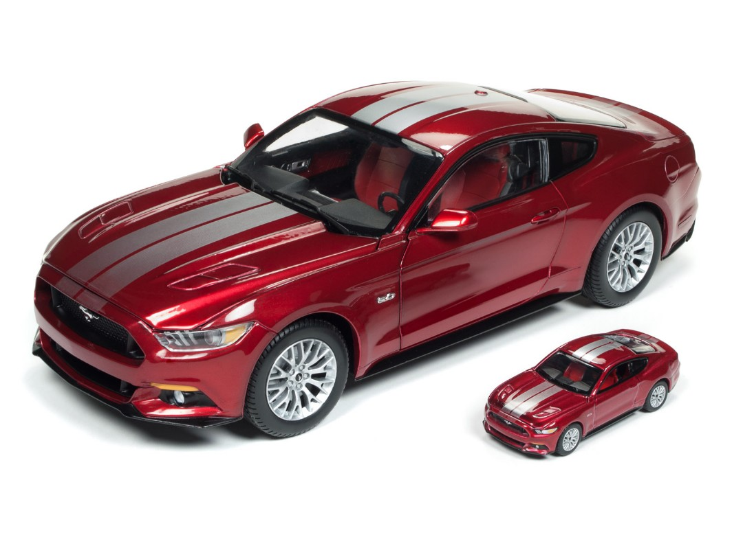 Auto World 1/18 2017 Ford Mustang GT (Combine with AW 1/64 Car)
