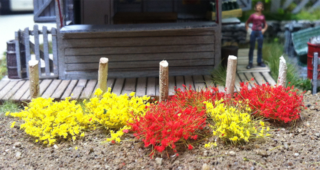 Bachmann 6mm Yellow and Red Tufts (100 pcs per pack)