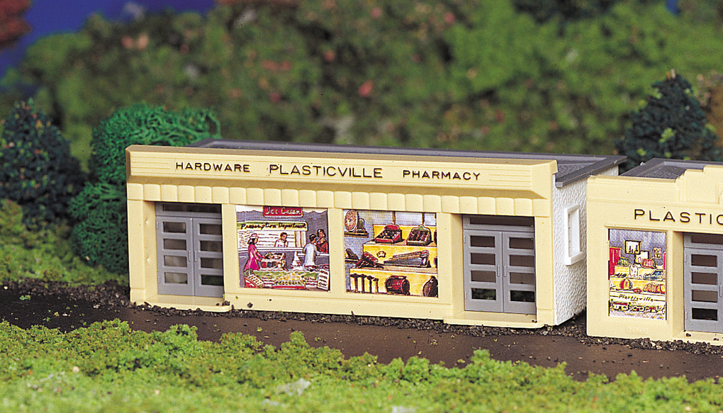 Bachmann Hardware Store - Plasticville USA Building (HO Scale)