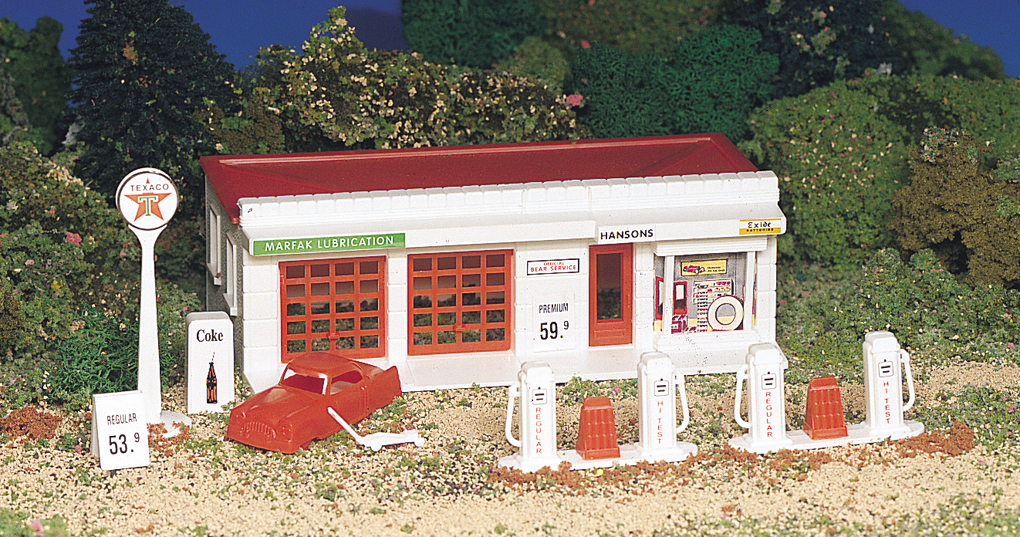 Bachmann Gas Station - Plasticville USA Building (HO Scale)