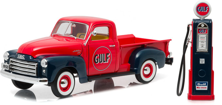 Greenlight 1/18 1950 GMC 150 Gulf Oil with Vintage Gulf Gas Pump