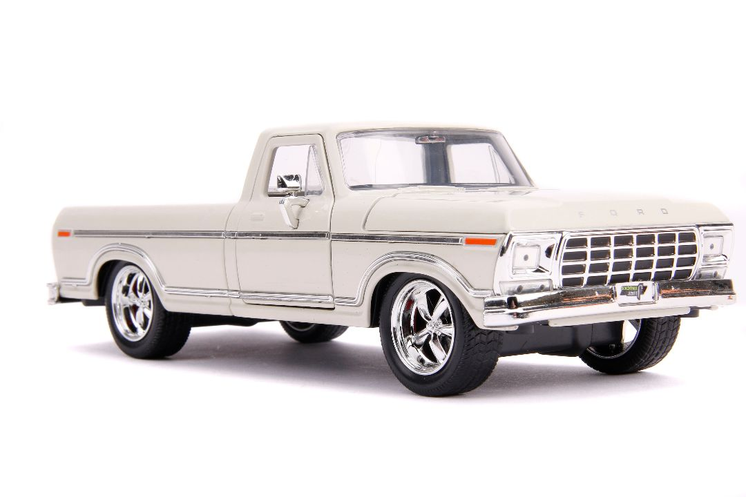 "Jada 1/24 ""Just Trucks"" 1979 Ford F-150 Pickup Custom - Beige"