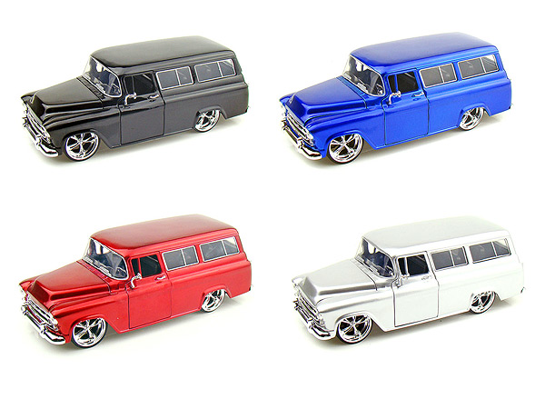 """BIGTIME Kustoms"" 1/24 1957 Chevy Suburban - Candy Silver"