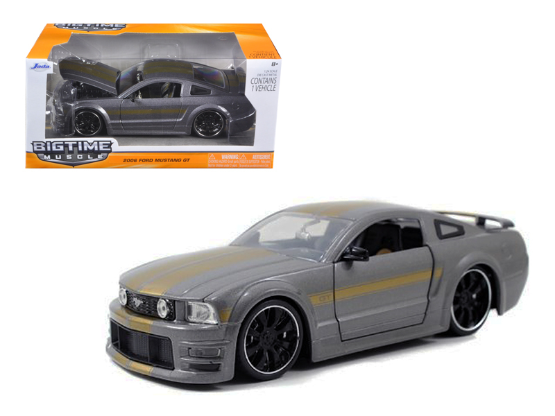 """BIGTIME Muscle"" 1/24 2006 Ford Mustang GT - Grey"