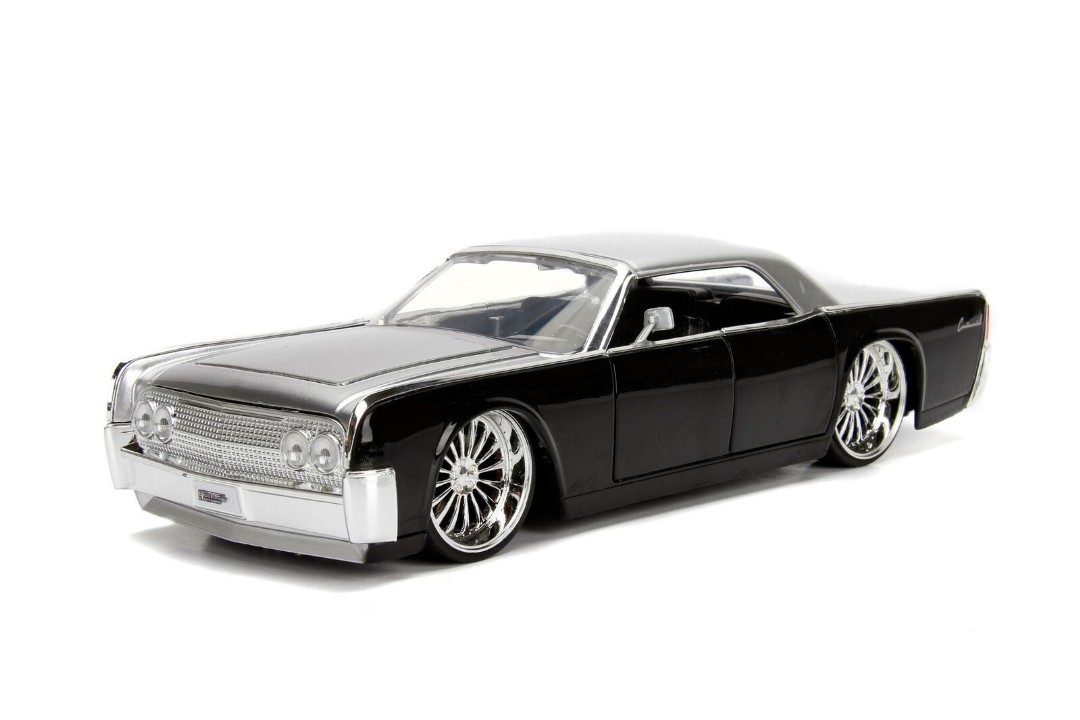 """BIGTIME Kustoms"" 1/24 1963 Lincoln Continental - Silver & Black"