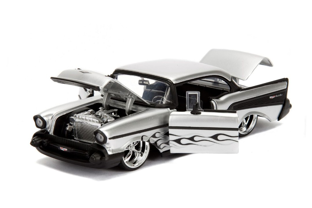 """BIGTIME Kustoms"" 1/24 1957 Chevy Bel Air - Silver"