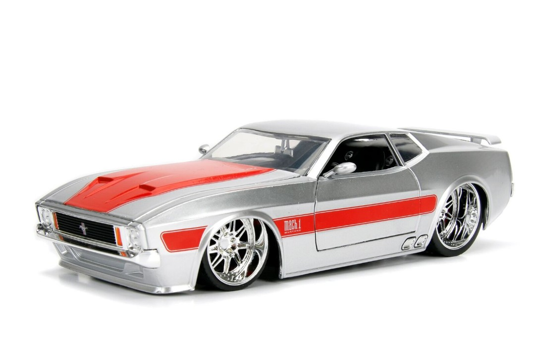 """BIGTIME Muscle"" 1/24 1973 Ford Mustang Mach 1 - Silver"