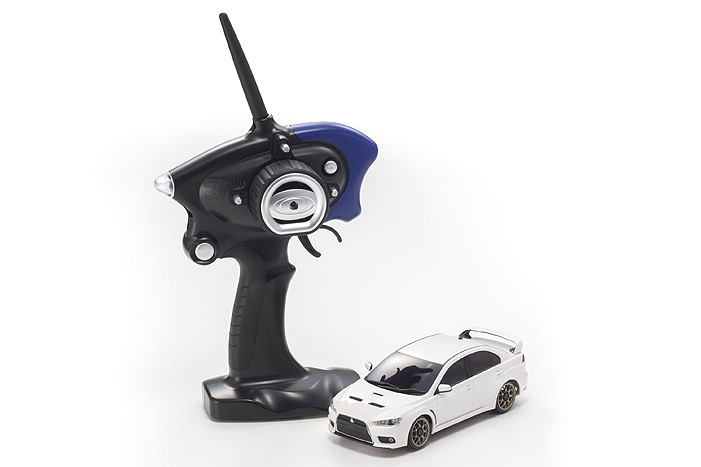 Kyosho MA-020S MITSUBISHI LANCER EVOLUTION X Pearl White RS