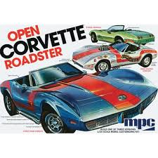 MPC 1975 Chevy Corvette Convertible 1/25 Model Kit (Level 2)