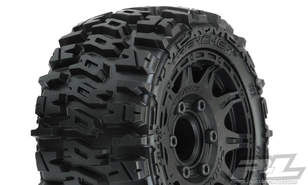 "Pro-Line Trencher LP 2.8"" All Terrain Tires Mounted on Raid Bla"